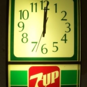 7 Up Soft Drink Clock